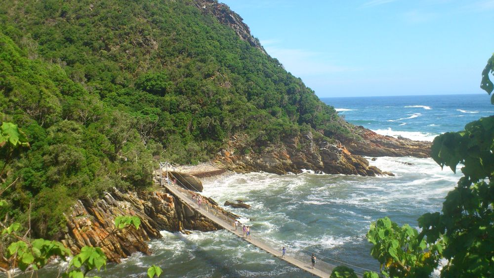 The Garden Route Tour includes the highlight of Tsitsikamma Coastal National Park with a stroll to the suspension bridge across the Storms River Mouth. Ons of the best highlights on all our Garden Route Tours. Add on as a must-do tour before or after doing our superb Cape Town Tours. Ideal start and end destination is Cape Town in a scenic circular route